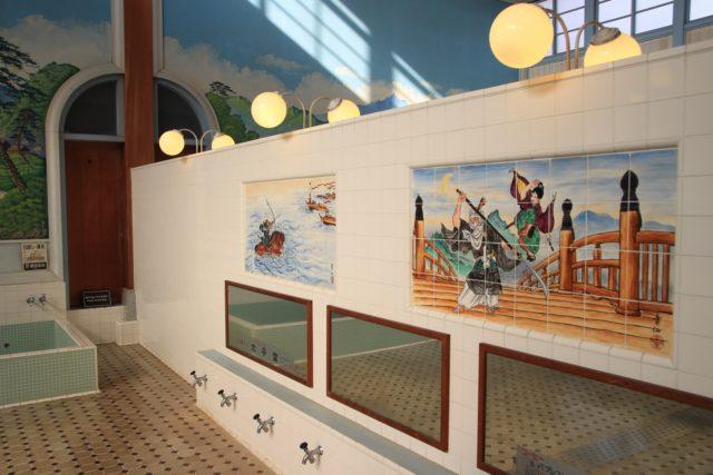 銭湯洗い場の写真
